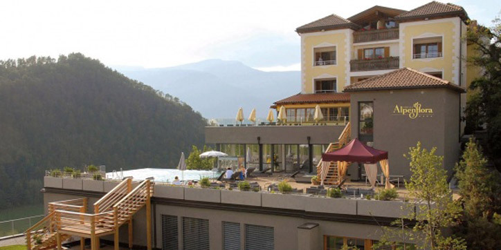 Hotel Alpenflora1