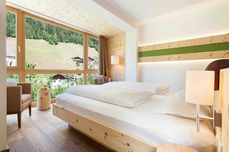 Zirbenzimmer Suite Naturhotel Rainer Jaufental Südtirol