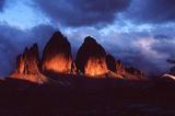 Die Drei Zinnen (3003 m) im Abendrot