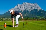 Golfen am Fuße der Zugspitze