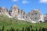 Grödnerjoch 2.121 m mit Cirspitzen (2.592 m)