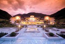 Alpenpalace Luxury Hideaway & Spa Retreat