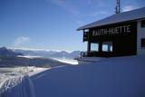 rauthhuette-mit-winterpanorama.jpg