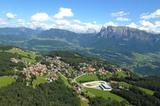 Klobenstein mit Dolomiten