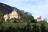 Schloss Englar mit Schlosskapelle