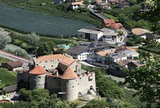 Schloss Kastelbell mit Dorfansicht