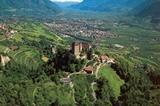 Schloss und Dorf Tirol