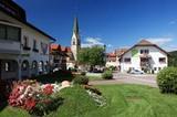 Terenten Pfarrkirche und Rathaus