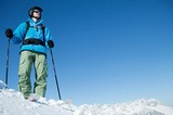 Tiefschnee Skifahrer in der Region wilder Kaiser